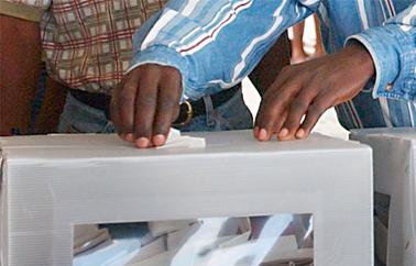 HCCT SAINT-LOUIS : Une quarantaine de votants à 10 heures