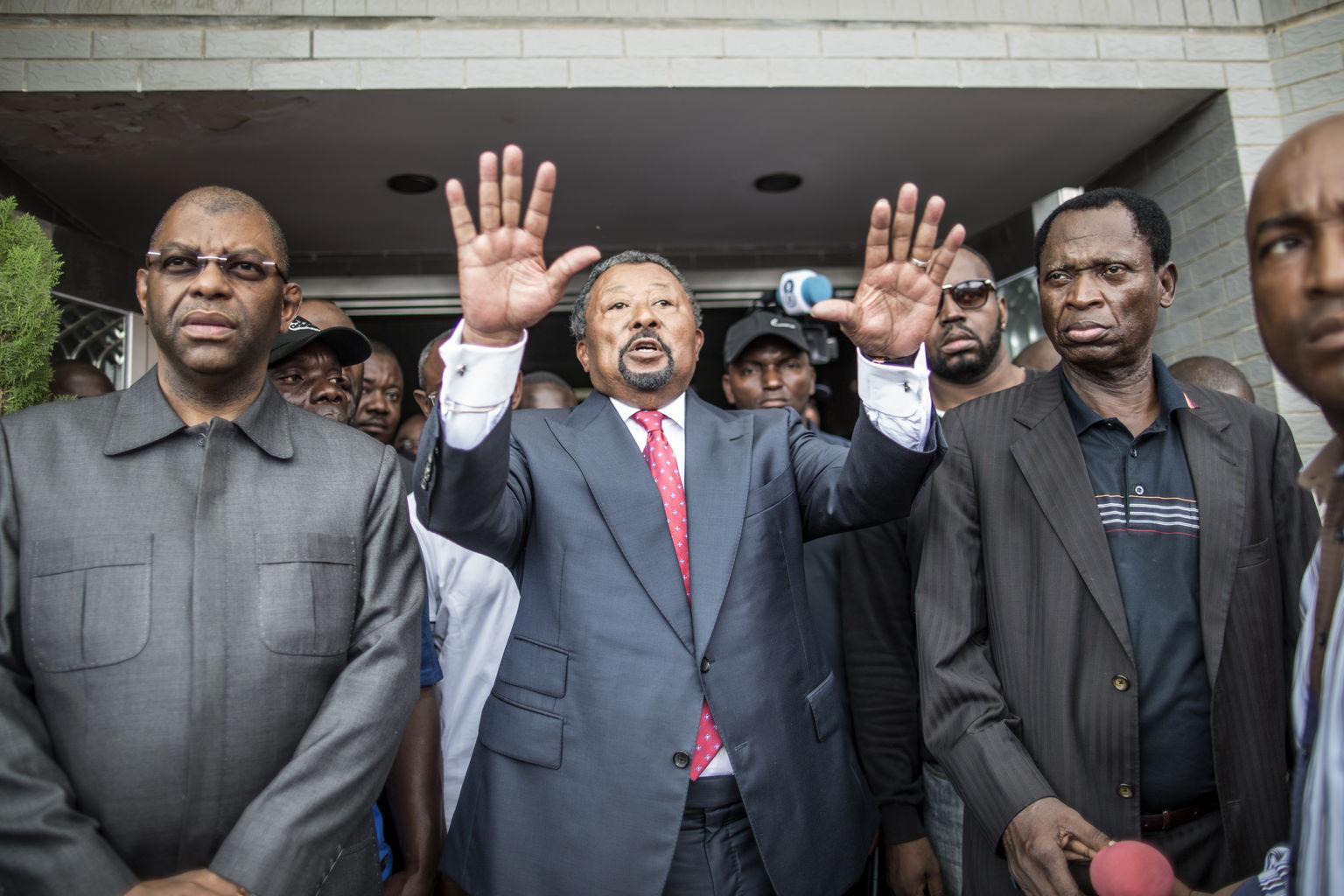 Gabon : Jean Ping lance un appel à la grève, démission du ministre de la Justice
