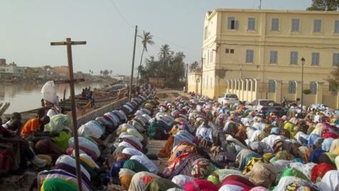 MAGAL DES 2 RAKKAS : Des milliers de fidèles prient pour un Sénégal meilleur
