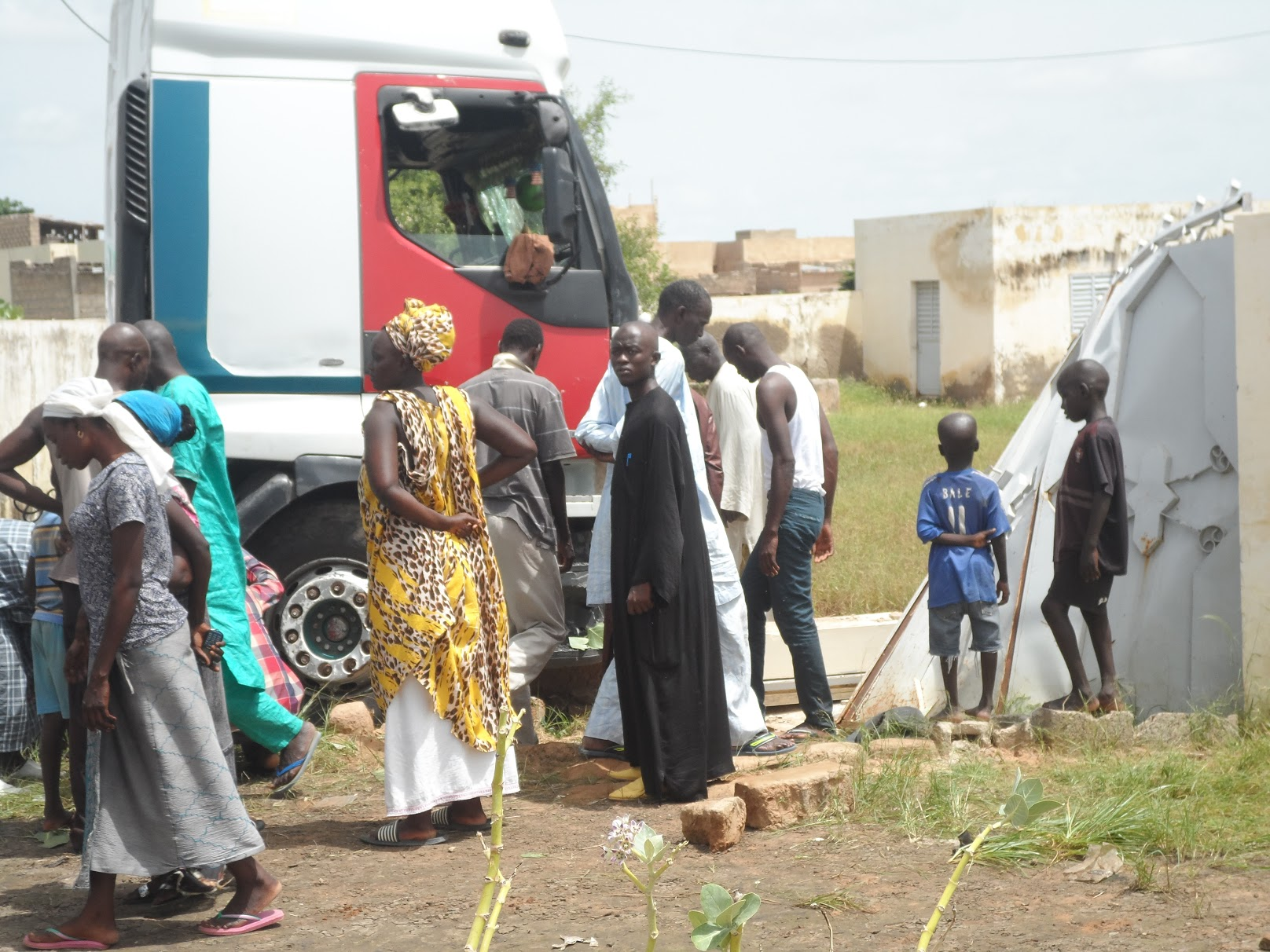 Touba : Un passager tombe d'un car et se fait écraser