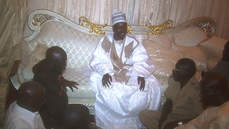 FACE AU CALVAIRE DES POPULATIONS - Cheikh Bass Abdou Khadre prêt à louer des camions de vidange