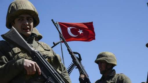 La Grèce refuse l'asile à un militaire turc arrivé après le coup d'Etat manqué