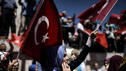 32.000 personnes arrêtées dans l'enquête sur le putsch avorté en Turquie