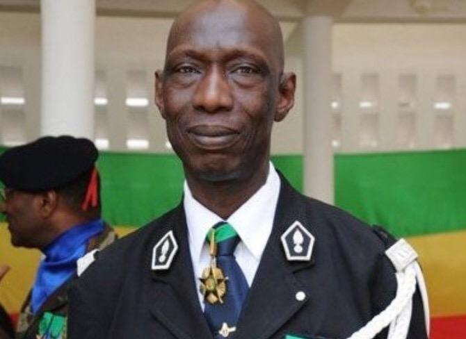 Le Colonel Abdoul Aziz Ndaw sort de son silence et dézingue Ibrahima Sène et les politiciens