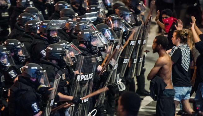 Charlotte : Leçon d'une police