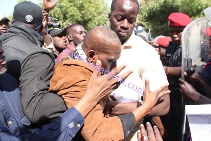 Interdiction de la marche de l'opposition : La colère de Mamadou Diop Decroix