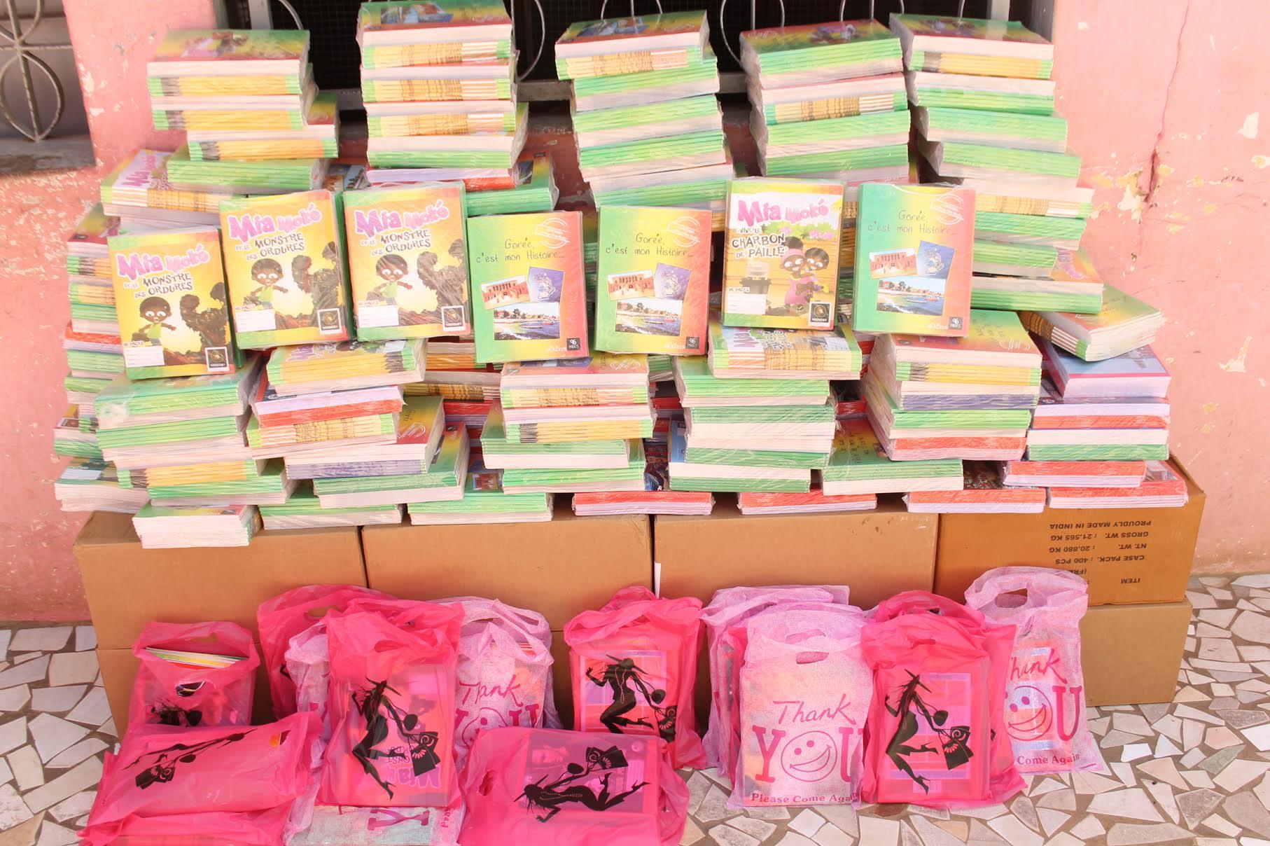 El Malick Seck distribue 50 000 cahiers aux écoliers thiessois