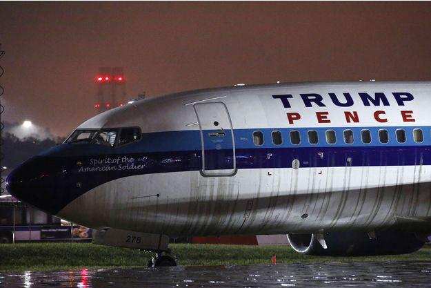 L'avion qui transportait le colistier de Trump sort de piste