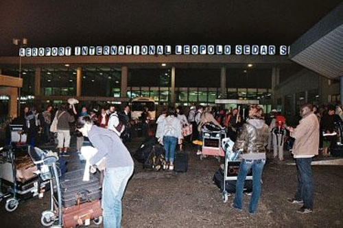 FAUX BILLETS : Un polonais arrêté à l'aéroport LSS