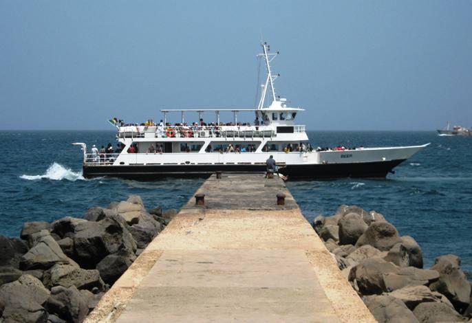 La chaloupe Dakar-Gorée tombe en panne en pleine mer...