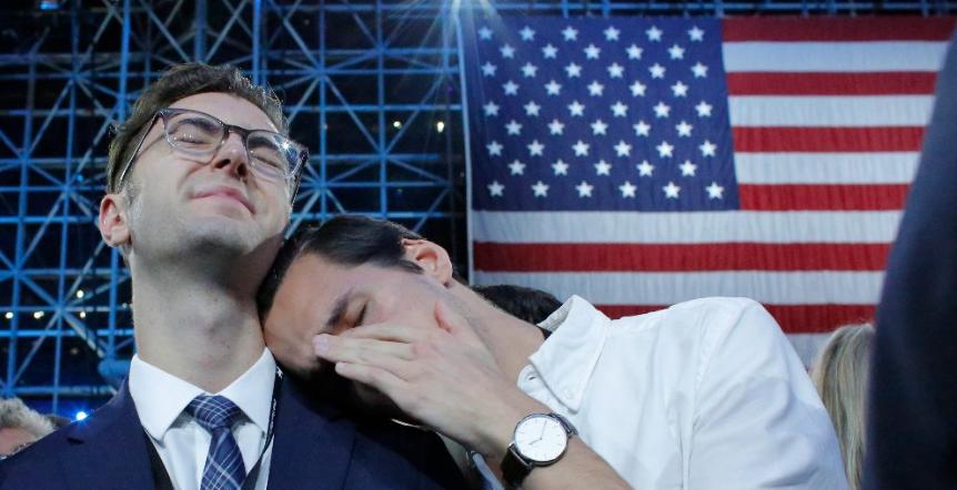Les démocrates concèdent leur défaite, Hillary Clinton ne s'exprimera pas