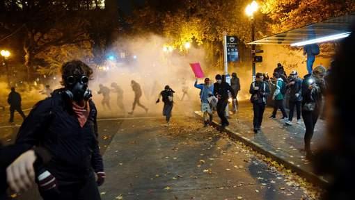 Les manifestations anti-Trump dérapent, un homme touché par balle