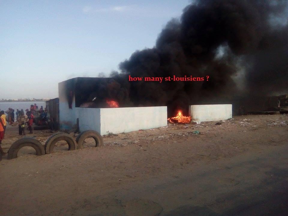 EMEUTES A SAINT LOUIS: Les populations brûlent un poste de gendarmerie.