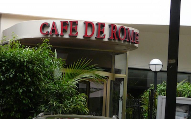 """Scandale au Café de Rome : Les repreneurs """"font expulser des employés avec l'aide de la police"""" (avocat)"""