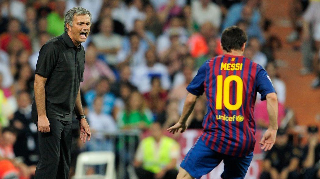 """Mourinho : """"J'espère que Messi ne partira jamais du Barça"""""""