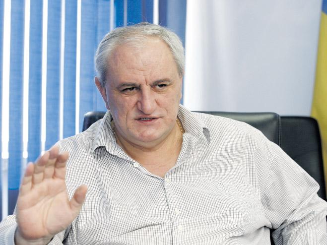 BAMBOULA FONCIERE : 100.000 hectares attribués au Roumain Ovidiu Tender