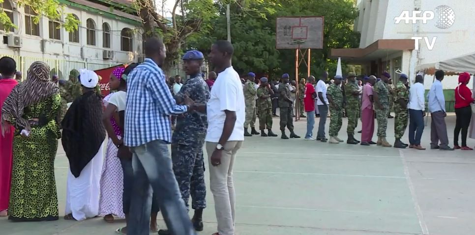 Gambie ouverture des bureaux de vote depuis quelques heures - Heure d ouverture des bureaux de vote ...