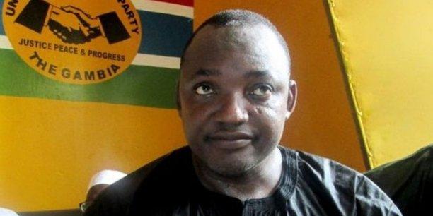 GAMBIE : La maison de Barrow encerclée par des policiers, ses militants s'inquiètent pour sa vie