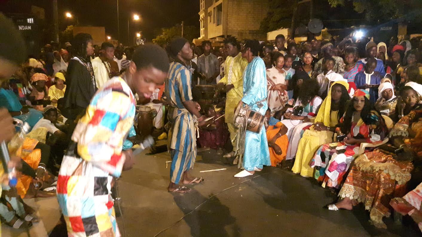 """Gamou 2016 à Fass : Les images de la nuit de """" Thiant """" avec Ndiogou Afia Mbaye."""