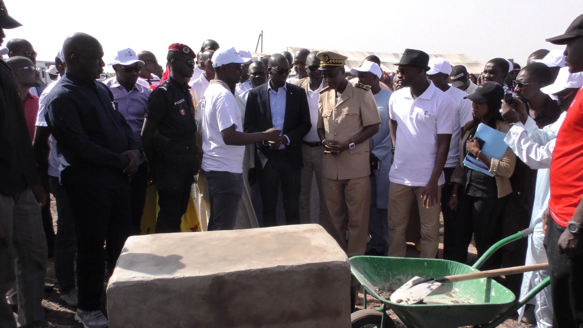 Les images de la pose de la 1ère pierre de la cité HLM à Tamba