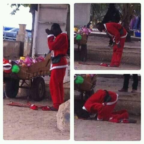 """Sénégal: L'image d'un """"Père noël""""  musulman entrain de prier fait le buzz"""