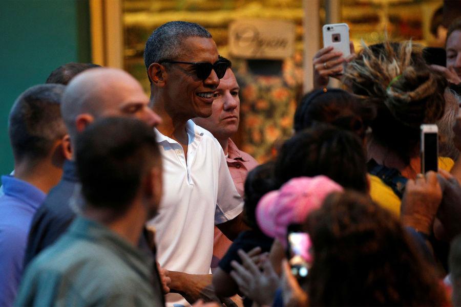 Barack Obama, instants complices avec ses filles à Hawaï