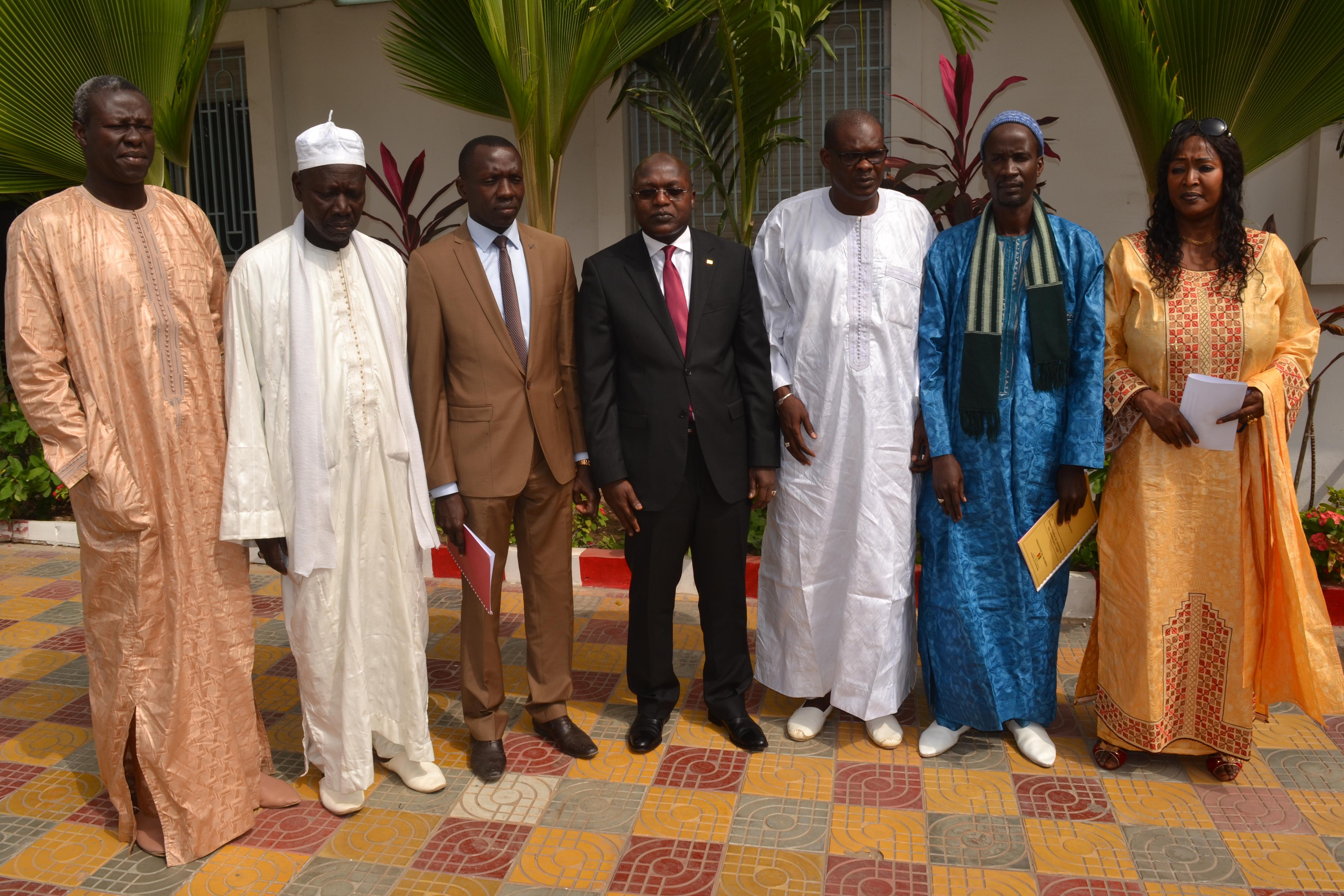 Démarrage des activités d'exploitation des infrastructures de pêche : Oumar Guèye signe avec les maires de Malicounda et de Ngaparou