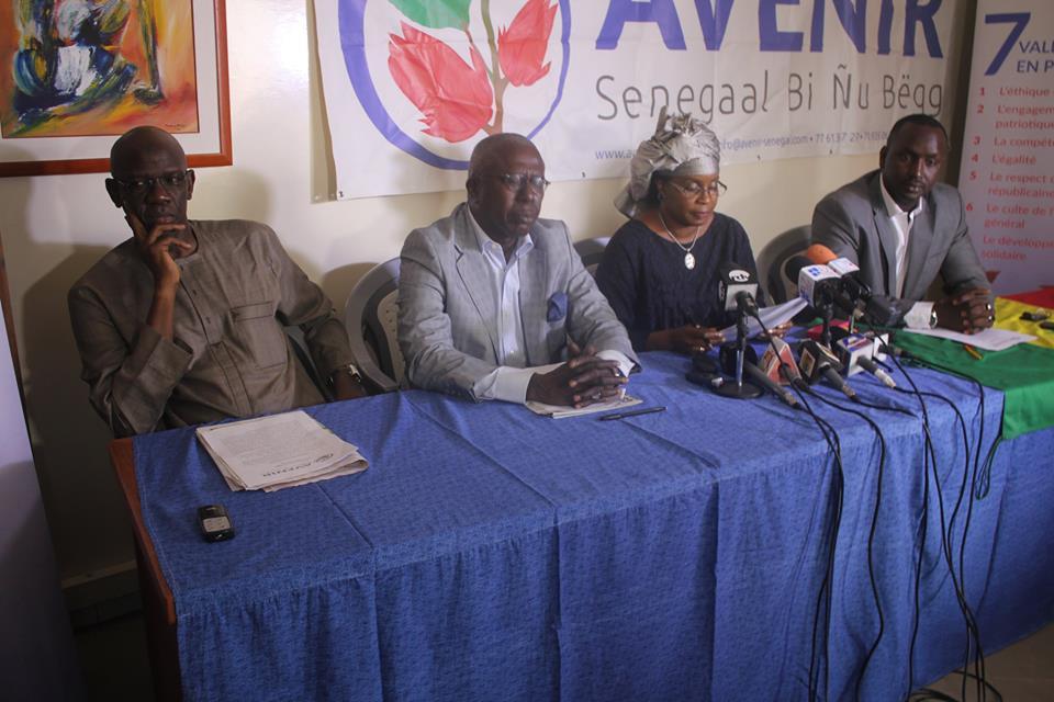 """DÉCLARATION SUR LE PROJET DE CITÉ MINISTÉRIELLE À DIAMNIADIO : """" Halte aux projets tape-à-l'œil et au gaspillage des ressources du Sénégal """""""