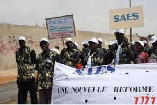 Salaires du mois de Décembre impayés : Le SAES invite ses membres à un débrayage ce lundi