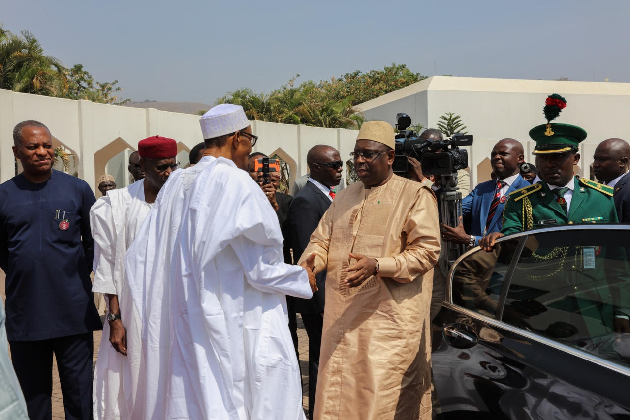 Réunion Extraordinaire à Abuja : La CEDEAO cherche une solution pacifique sur la Gambie