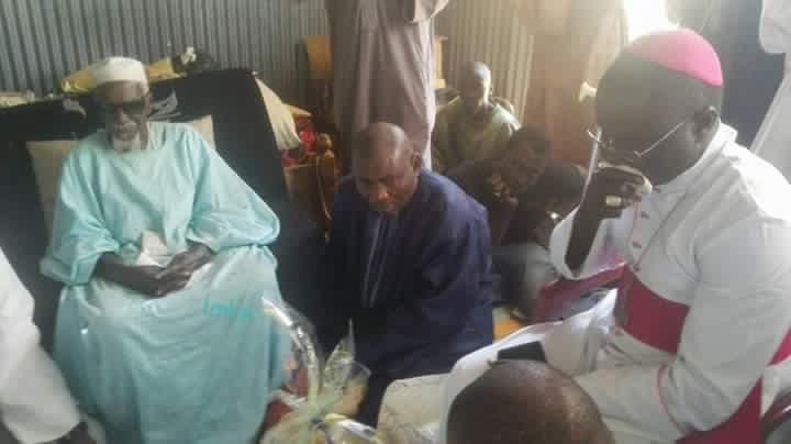 L'archevêque de Dakar rend visite au Khalife général des mourides