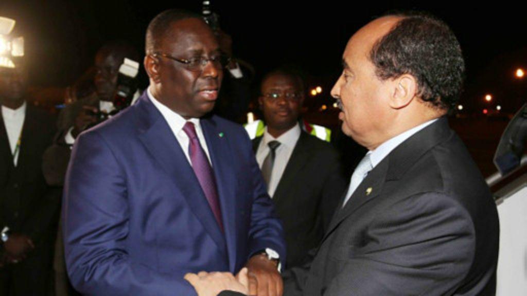 Crise gambienne : Le président Aziz a quitté Dakar