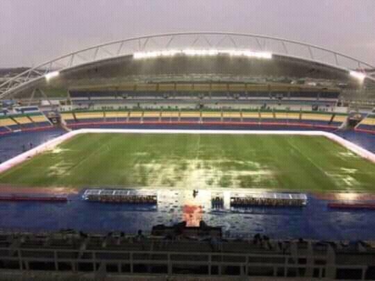 MATCH SÉNÉGAL/ALGÉRIE : La pelouse du stade inondée