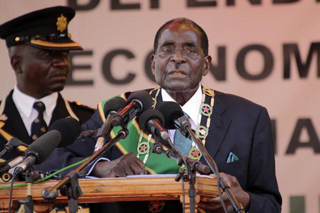 Le Zimbabwe contre-attaque aux appels au départ du président Mugabe