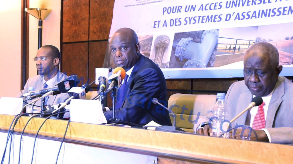 Point de presse du ministre de l'assainissement et de l'hydraulique ( IMAGES)