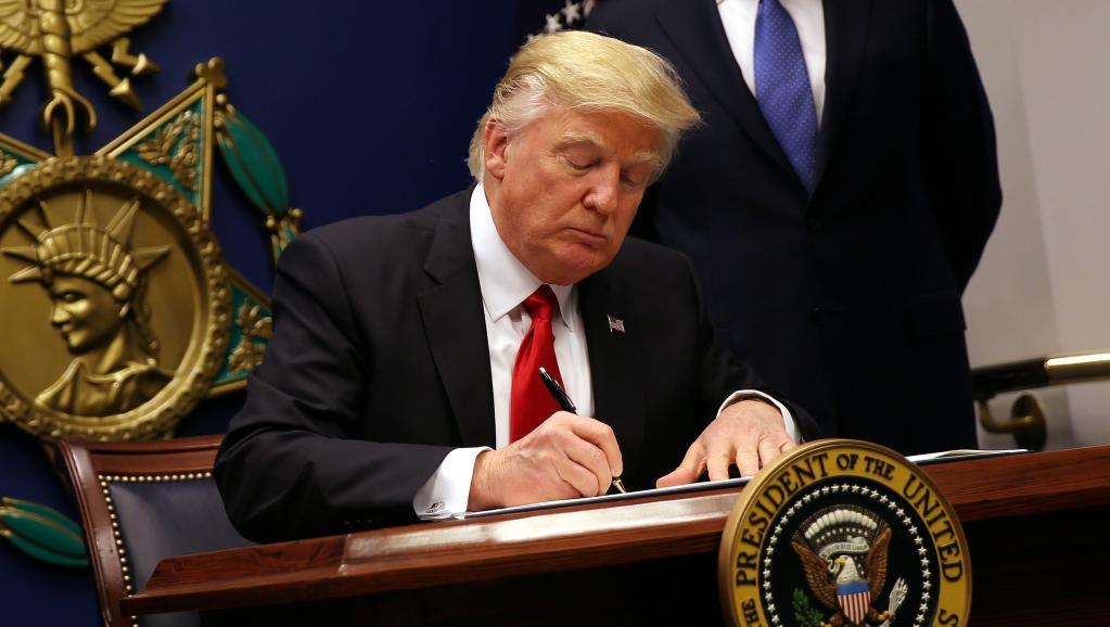 ÉTATS-UNIS : le président américain Donald Trump signe un nouveau décret migratoire
