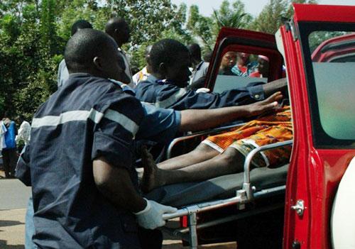 EBINAKO : Un véhicule fonce dans une maison et tue une femme et son bébé (TÉMOIN)