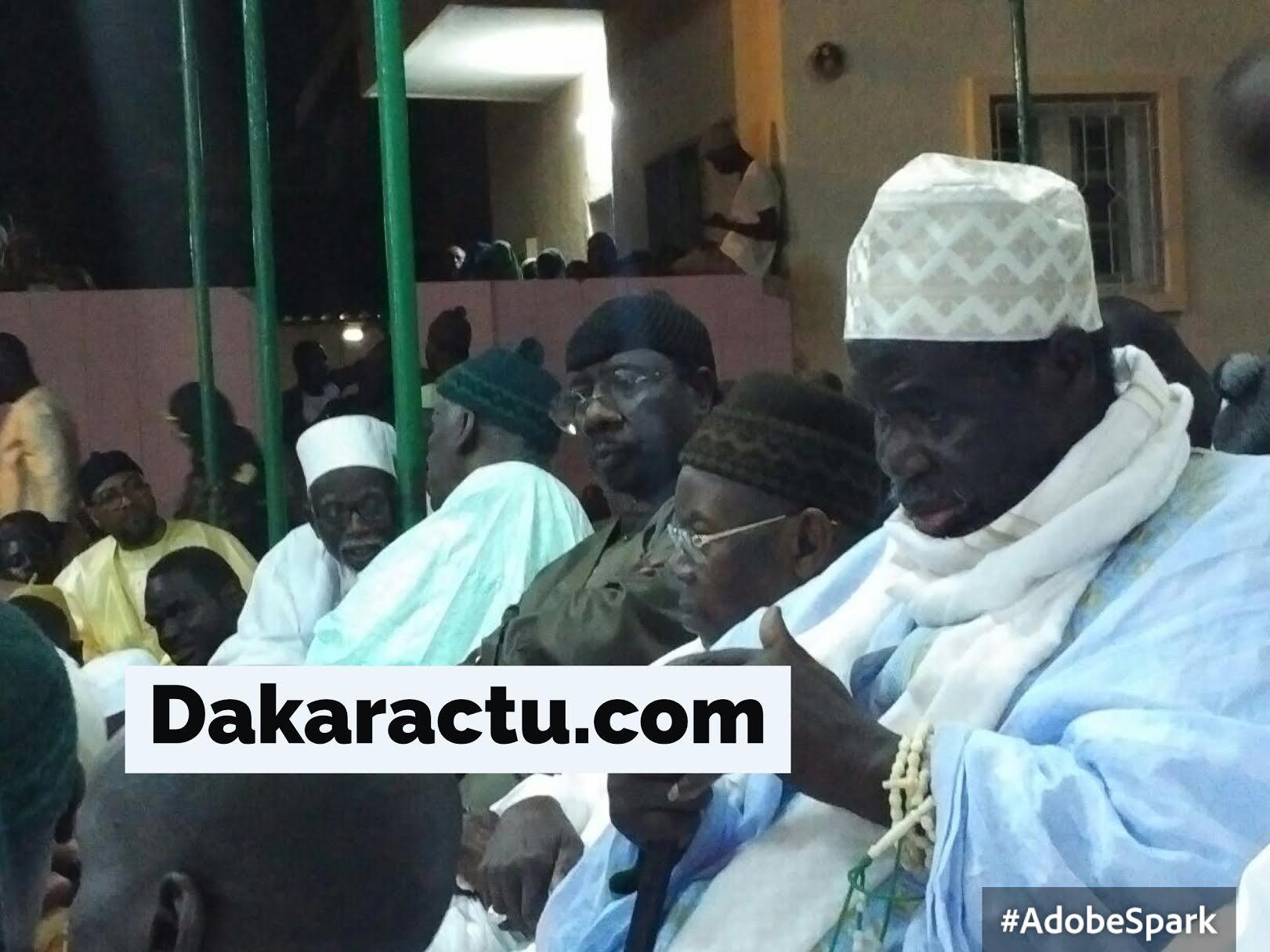 RAPPEL À DIEU DE AL MAKTOUM : Son fils Serigne Moustapha Sy aux côtés de Serigne Abdou Aziz Al Amine