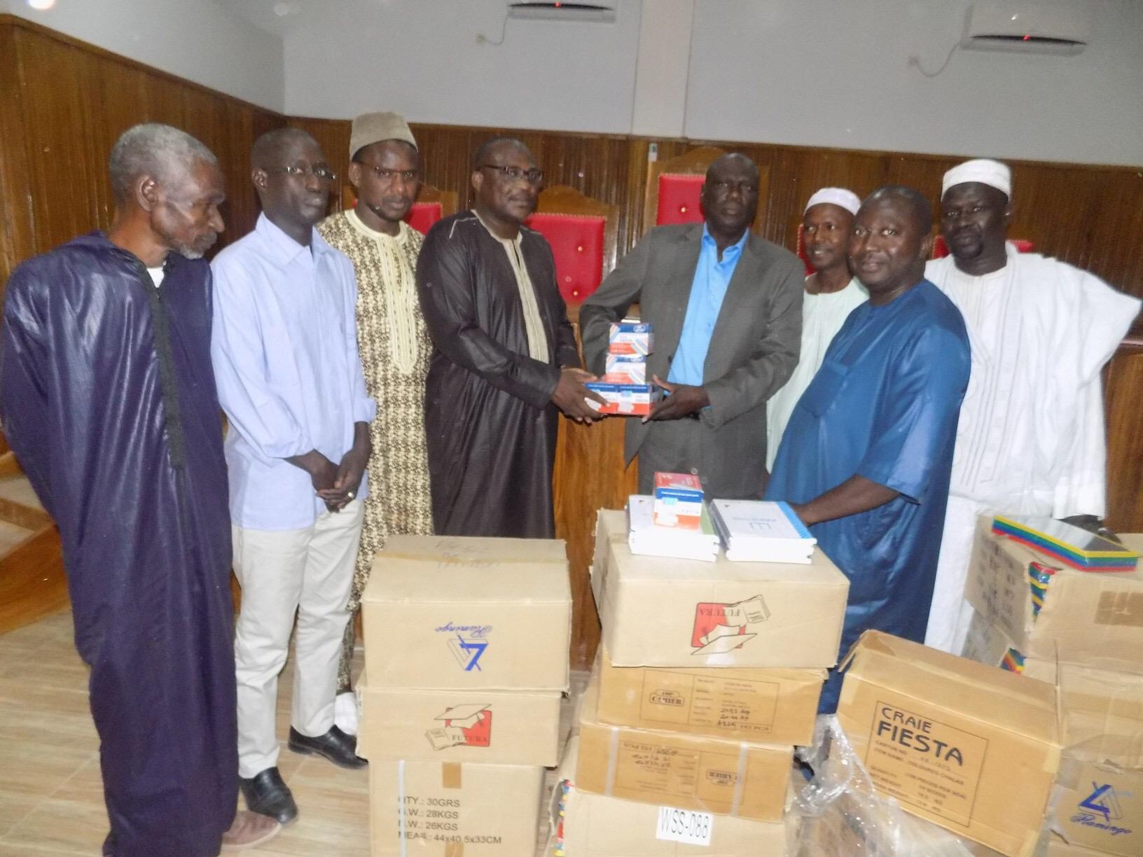 Tambacounda : Le Maire remet des fournitures scolaires estimées à 14,5 millions de francs CFA