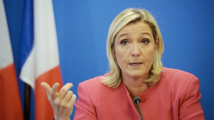 « Si je suis élue présidente de la République, je m'engage à développer la coopération avec les pays francophones ». (Marine Le Pen, candidate du Front national )