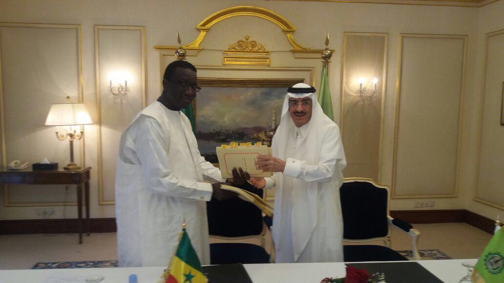 Financement : Deux accords signés avec la BID dans des domaines porteurs