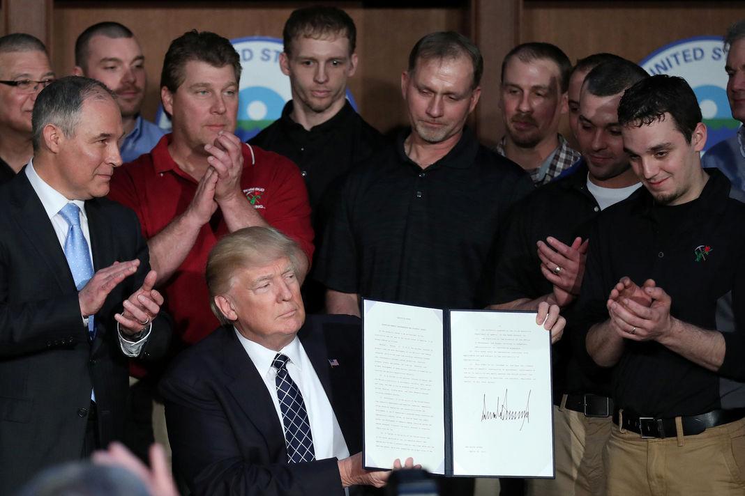 ETATS-UNIS : Donald Trump, les contradictions entre les promesses du candidat et les mesures du président