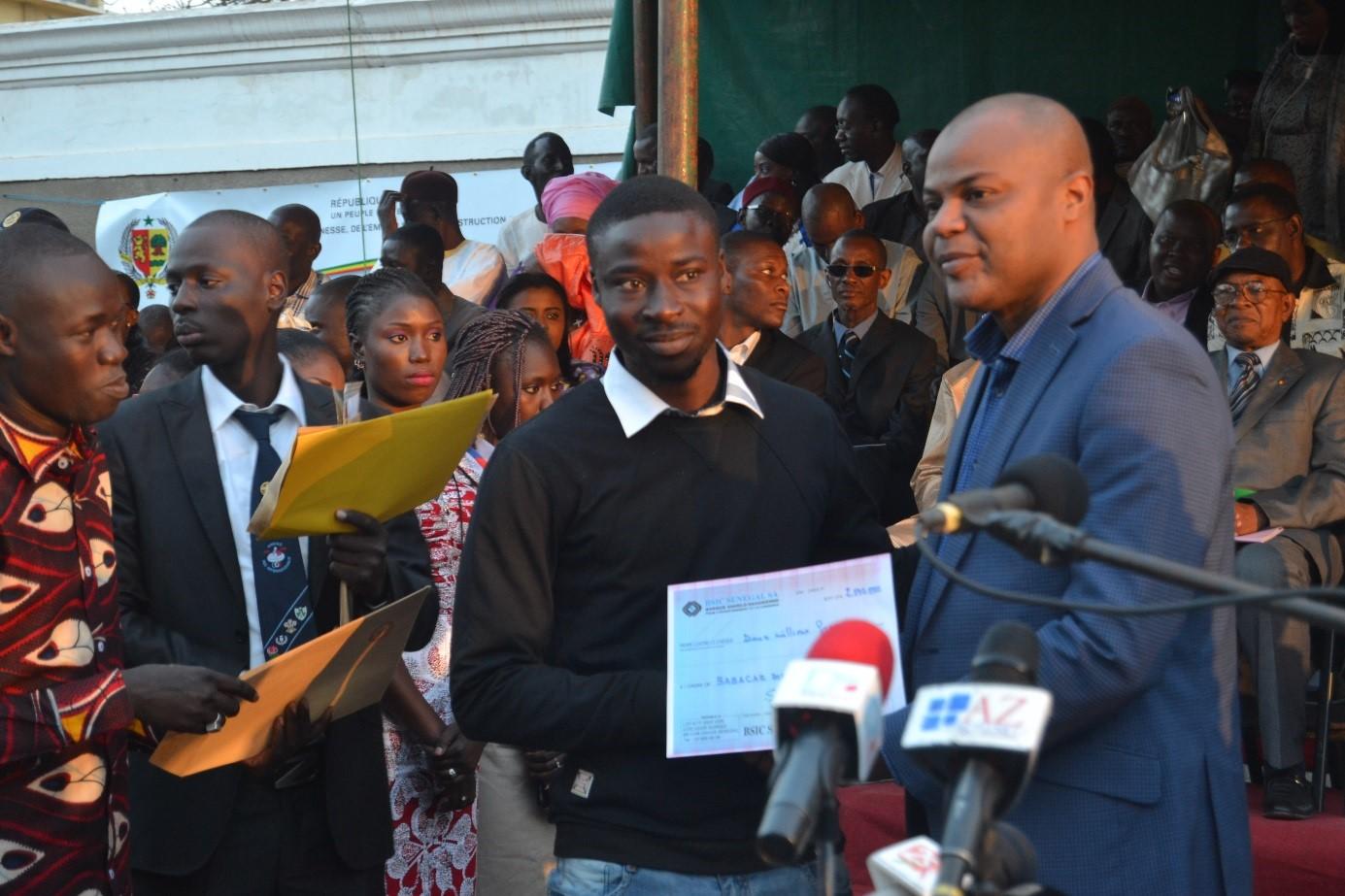 Promotion de l'auto-Emploi : Remise d'une enveloppe de 150 millions de francs CFA à 155 jeunes porteurs de projets de la Région de Saint-Louis.