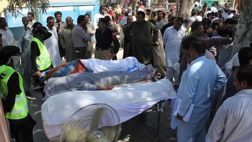 Vingt personnes assassinées dans un sanctuaire soufi au Pakistan