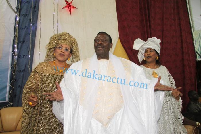 THIANT CHEZ CHEIKH BÉTHIO- Me El Hadj Diouf ' casse la baraque '