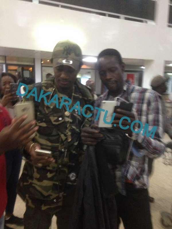 Les images du départ de Wally Ballago Seck à l'aéroport Léopold Sédar Senghor pour la Soirée du 22 Avril