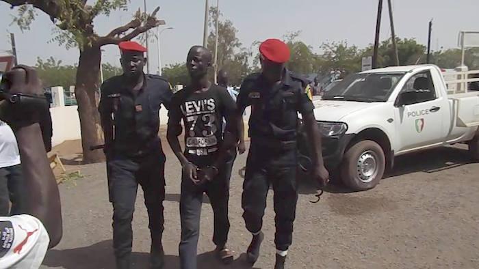 ARGENT REMIS AU COMMISSAIRE POUR S'ÉVADER : La police nationale dément Boy Djinné