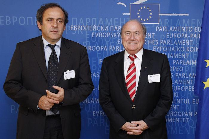 """Blatter : """"Il faut que Platini revienne à l'UEFA ou à la Fifa"""""""