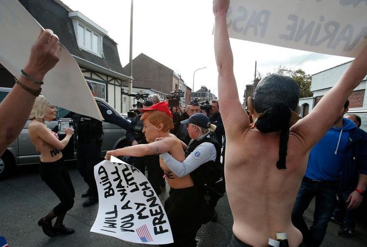 Des Femen arrêtées à Hénin-Beaumont près du bureau de vote de Marine Le Pen