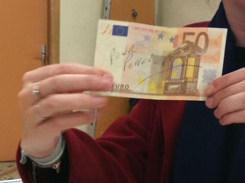 Résultat présidentielle : Un billet de 50 euros «pour Penelope» glissé à la place d'un bulletin de vote